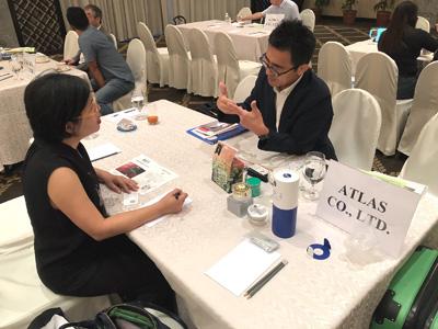 フィリピンのザ・ペニンシュラ マニラホテルでビジネス商談会に参加